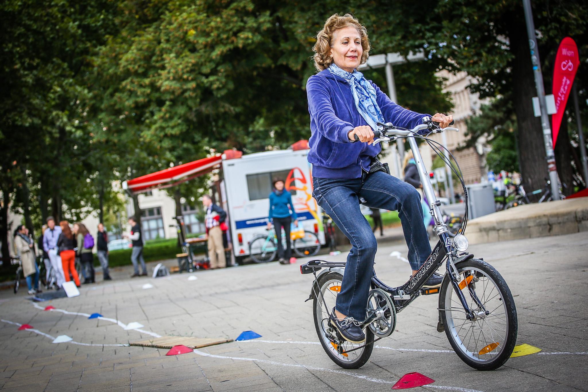 Radkurs für Seniorinnen und Senioren. Foto von Christian Fürthner