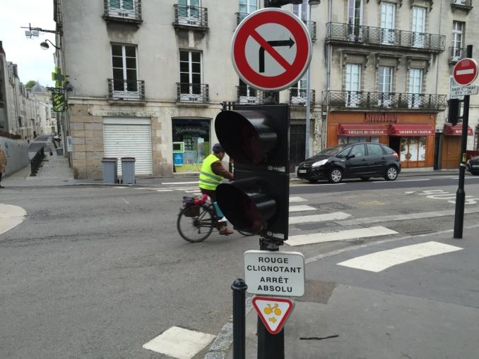 Nantes_rechts_abiegen