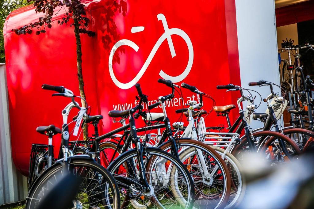 20160428 Radfahren waehrend der U4 Sperre_Foto Mobilitaetsagentur Christian Fuerthner (24)
