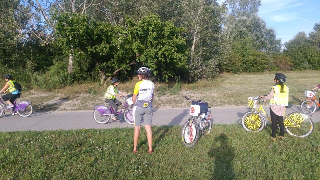Im Sommer bietet der ÖAMTC zusätzlich zu den Anfängerinnenkursen Ausfahrten für Frauen an, die bereits Rad fahren können. Ziel ist, die Kenntnisse im Straßenverkehr weiter zu perfektionieren. Diese Kurse werden mit Citybike Wien durchgeführt. Diese Ausfahrten finden im Juli und August jeden Montag von 17:30 – 20:30 Uhr statt.