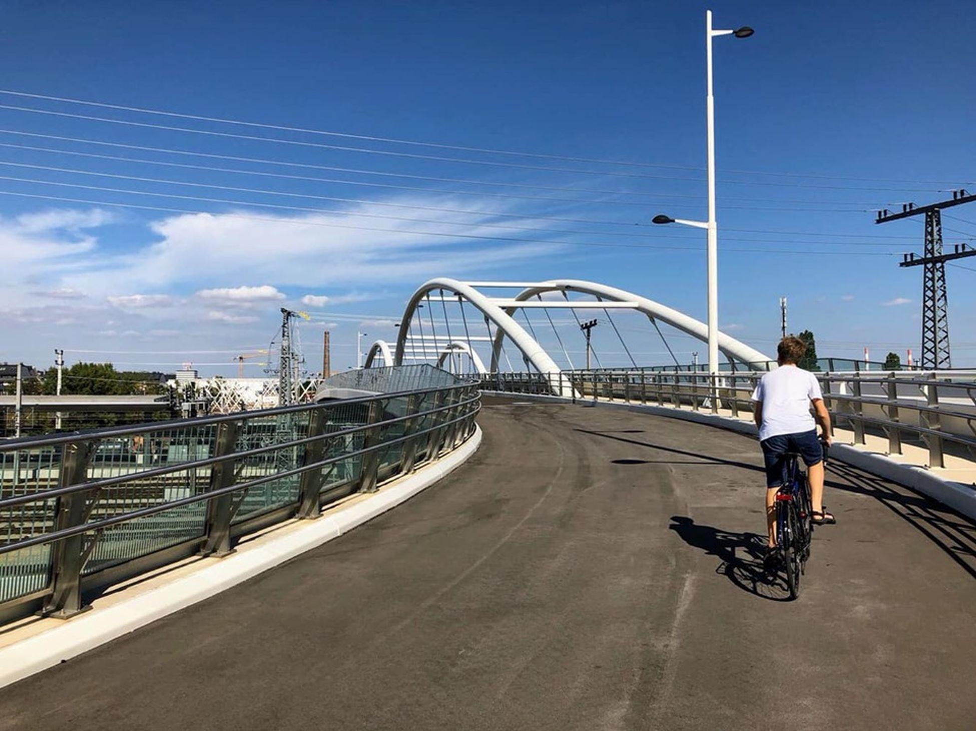 Dioe Südbahnhofbrücke verbindet den 3. mit dem 10. Bezirk.