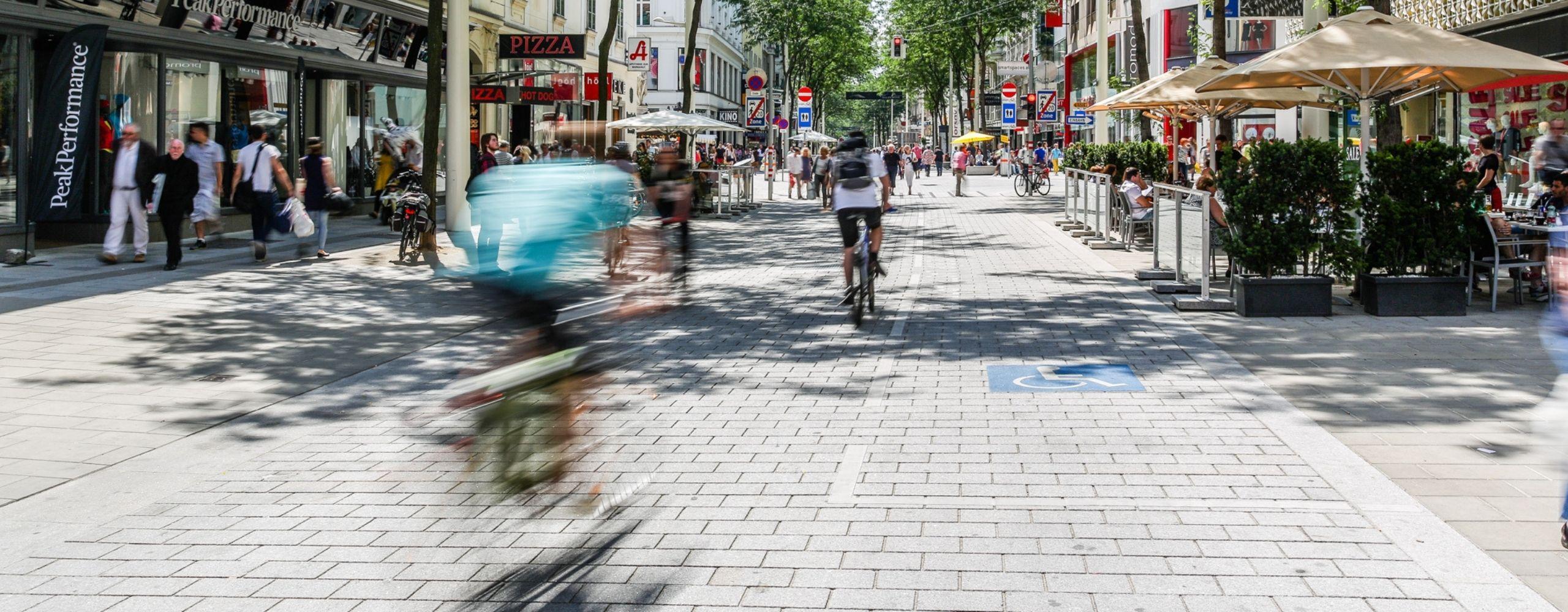 RadfahrerInnen auf der Mariahilfer Straße, Foto: Christian Fürthner